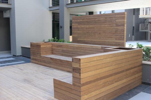 HQ Bedfordview courtyard seating 2