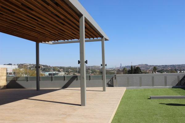 HQ Bedfordview rooftop pergola and deckingIMG_5457